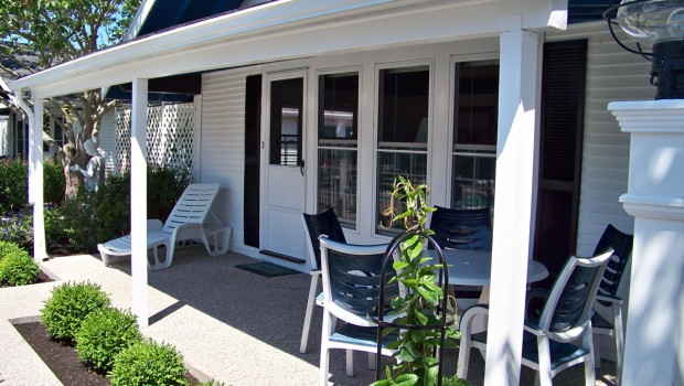 Ebb Tide Cottages has one, two, or three-bedroom cottages, each with its own kitchen - located on Cape Cod MA