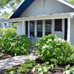 Ebb Tide Cottages - Cottage #1 - Poolside 3 BR / 1 Bath Sleeps 6 – 1 Double Bed, 4 Twin Beds