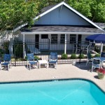 Ebb Tide Cottages - Cottage #3 - Poolside 3 BR / 1 Bath Sleeps 6 – 1 Double Bed, 4 Twin Beds