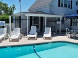 Ebb Tide Cottages - Cottage #8 - Poolside 1 Bedroom King Suite Sleeps 4 – 1 King Bed, 1 Double-sized Pull-out